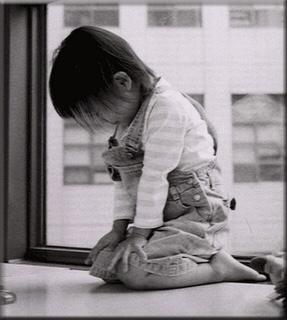 kneeling-prayer-of-kid-1